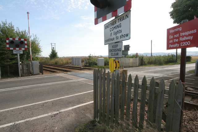 Level crossing at Carseview.