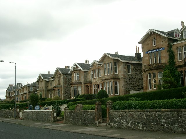 Houses on the road out of Rothesay to Craigmore Pier