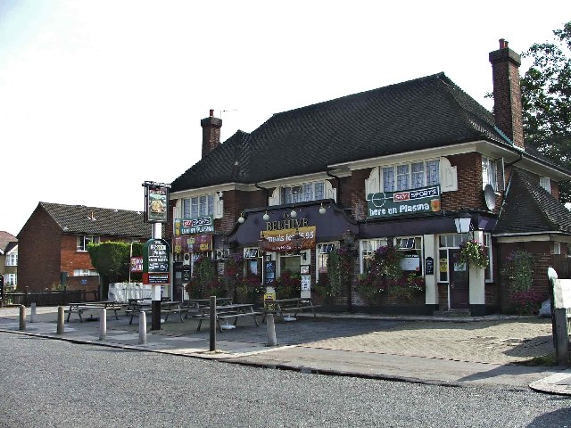 The Beehive public house in Little Bury Street