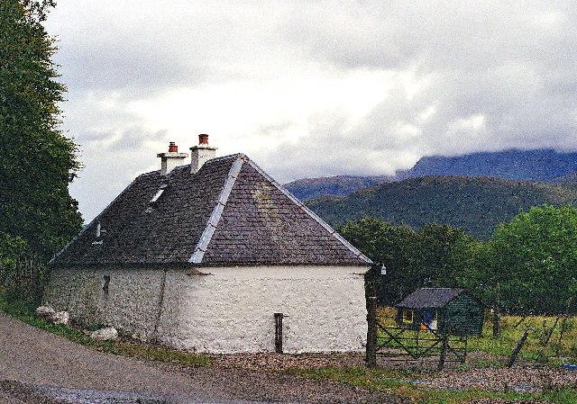 Gorsten Cottage  by Goirtean a' Chladaich