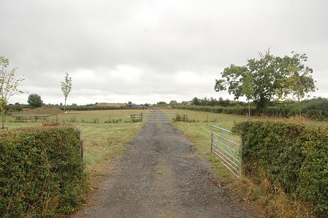 Field and Gates near Upton Snodsbury