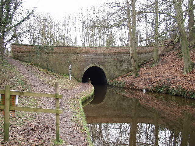 Llangollen Canal goes under the A5 at Whitehouse Tunnel