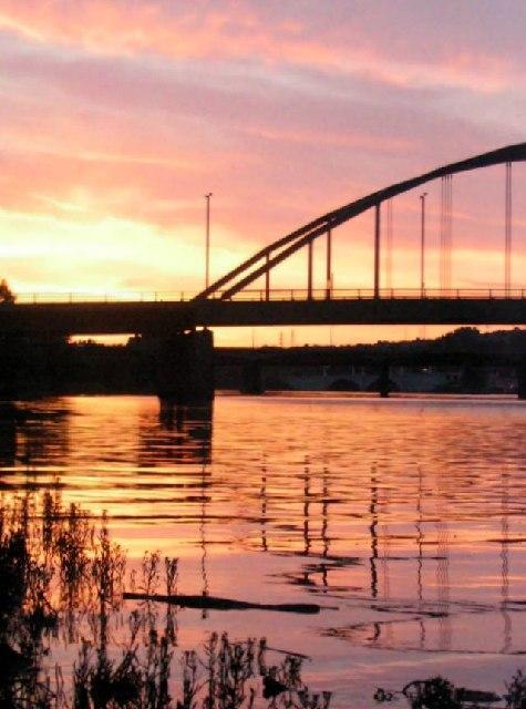 Sunset behind Scotswood bridge