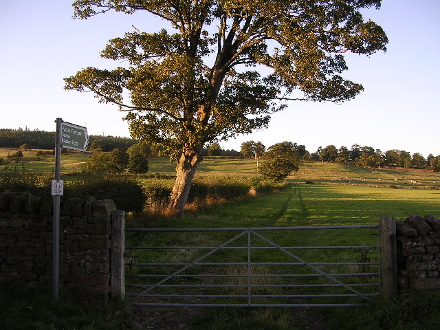 Public Footpath to Scaws and Beacon Edge