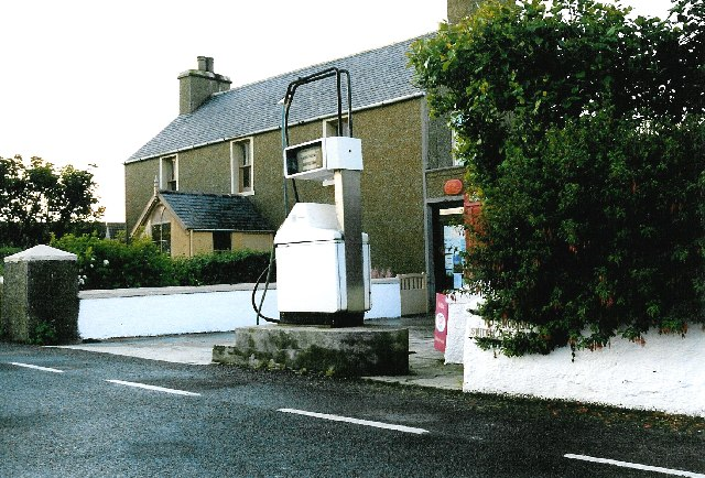 Post Office and petrol pump, Foubister / Toab