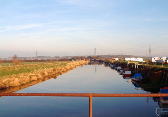 Military Canal looking to Iden Lock