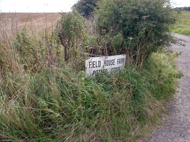 Sign to Field House Farm
