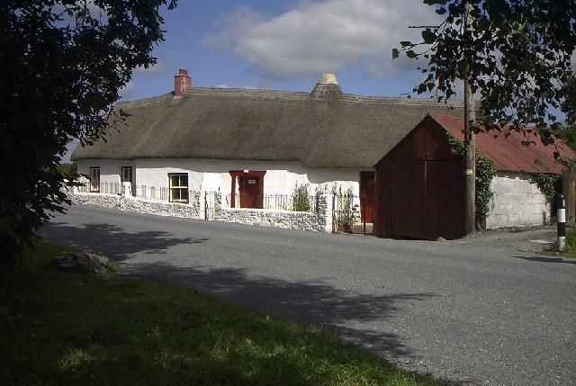 Ffynnon Oer Isaf & Uchaf, Ffynnon Oer, Temple Bar