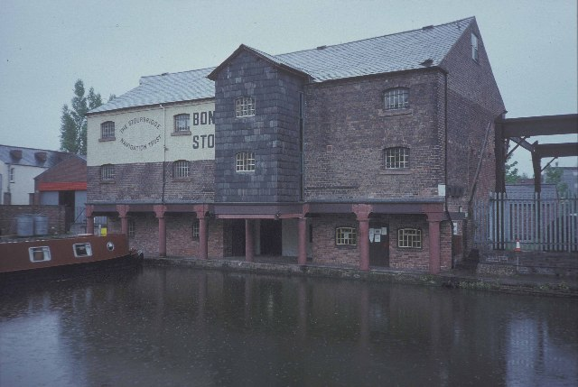 Warehouse at the terminus of the Stourbridge Canal