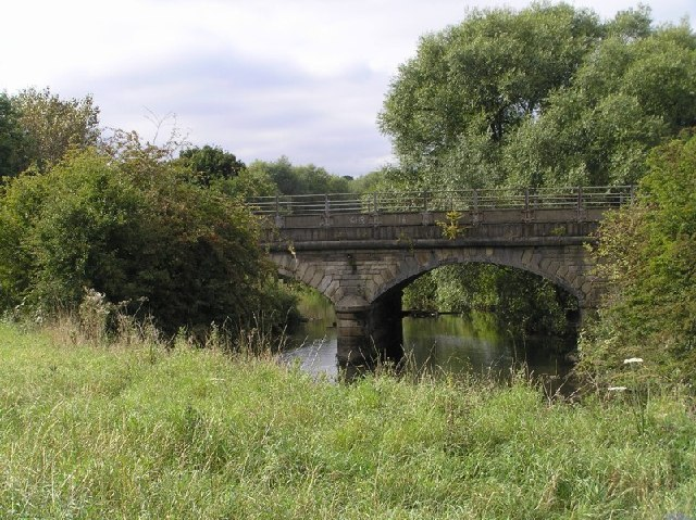 Railway crossing River Rother