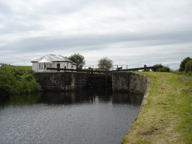 Lock and lock keepers cottage Forth and Clyde Canal