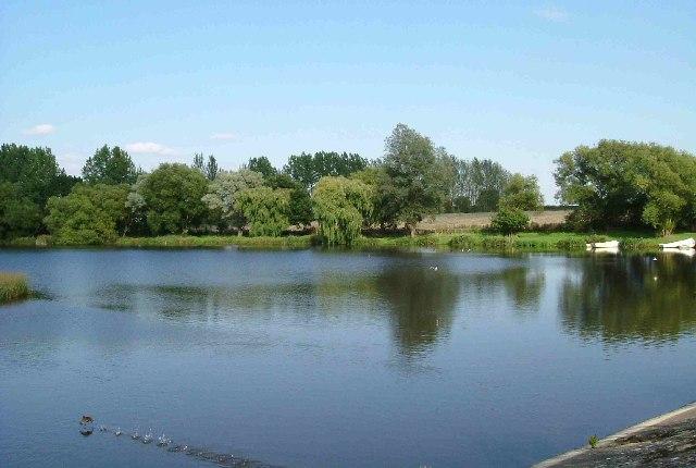 Ardleigh Reservoir from Wick Lane