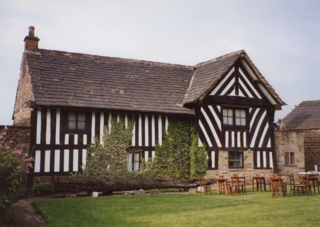 Lees Hall, Thornhill