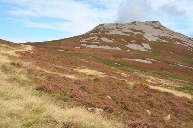 Llanaelhaearn: towards Tre'r Ceiri