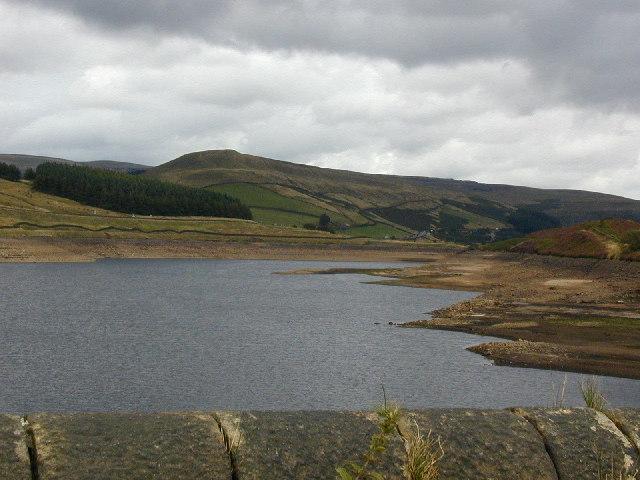 Woodhead Reservoir looking east