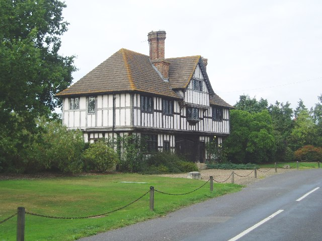Crowhurst Manor - Gate House