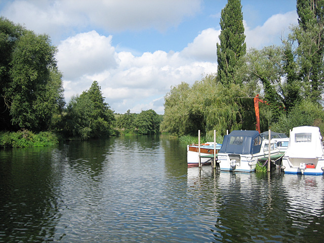 River Avon at the Bridge Inn, Offenham