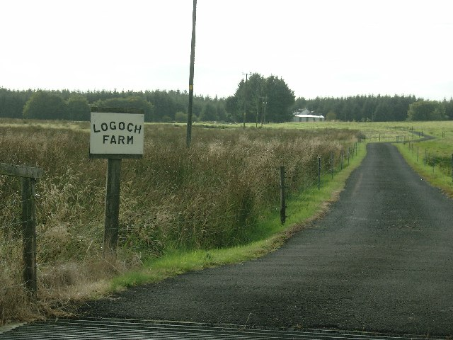 Logoch Farm road end