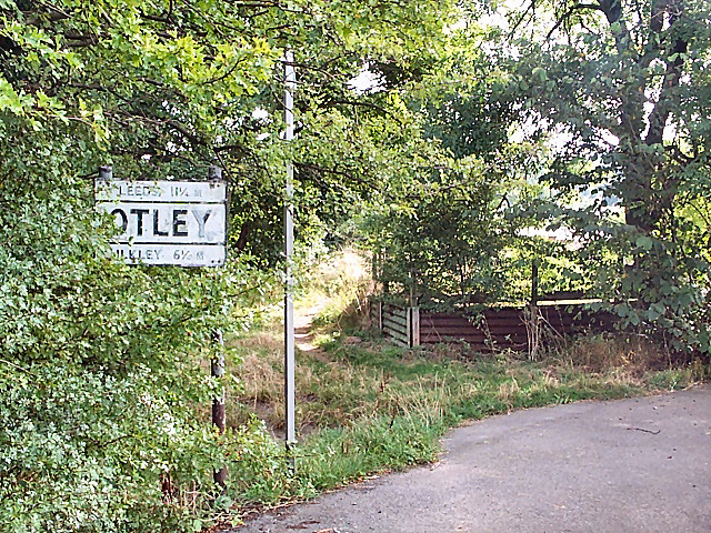 Old road sign, Otley