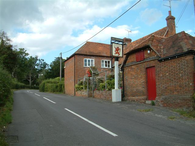 The Red Lion, Mortimer West End