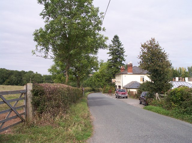 Fox and Hounds, Lusley