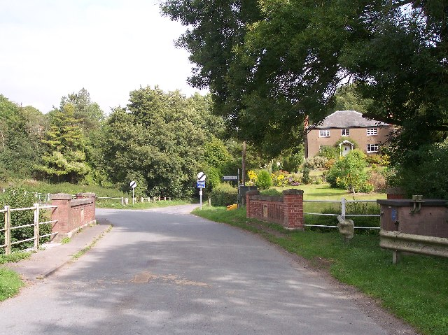 Batchelor's Bridge, Longley Green