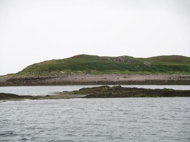 Beach, Sgeir nan Feusgan