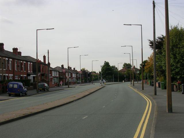 Hollinwood Avenue