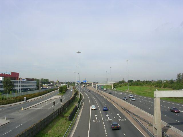 M60 Motorway, Hollinwood