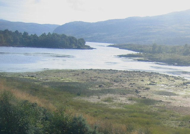 Head of Loch Luichart looking east