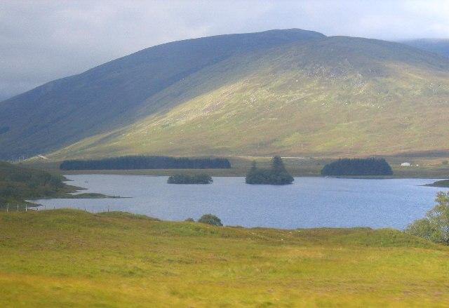 Loch Sgamhain, looking west
