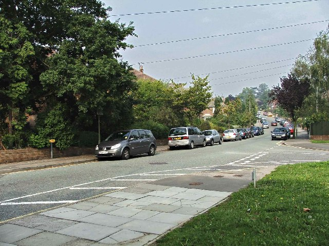 Junction of Elmbank Avenue to Wellhouse Road