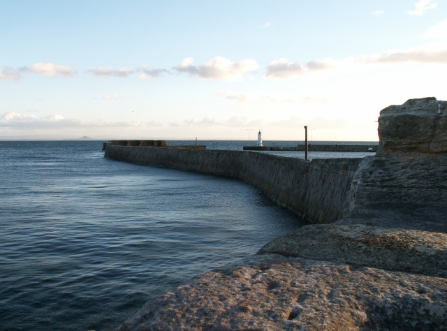 Eastern seawall, Anstruther harbour