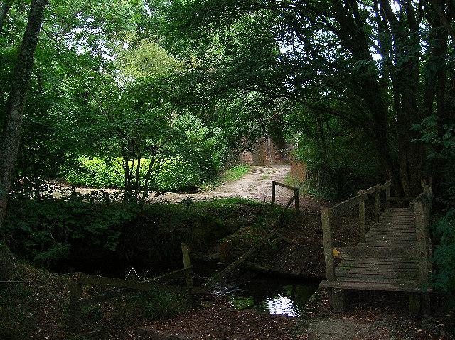 Footbridge, near Streat