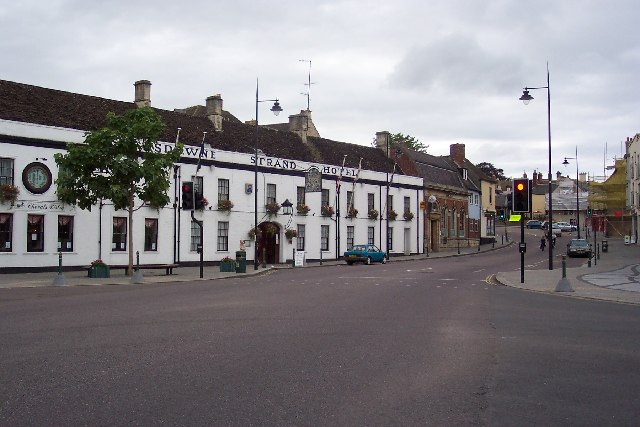 Lansdowne Strand Hotel and Curzon St, Calne
