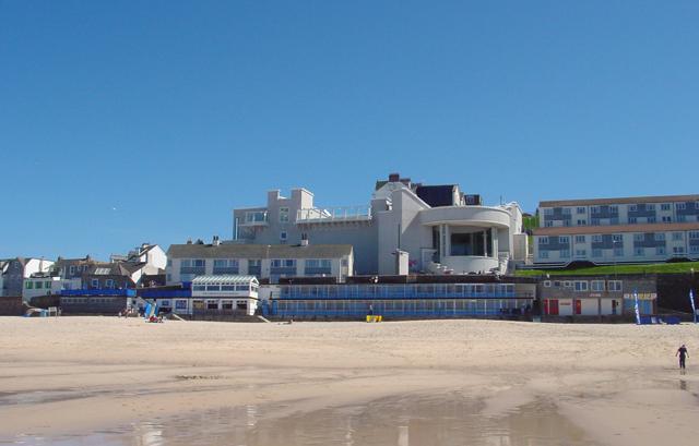 Porthmeor Beach & Tate Gallery