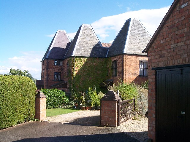 Converted Oast Houses, Greathouse Farm