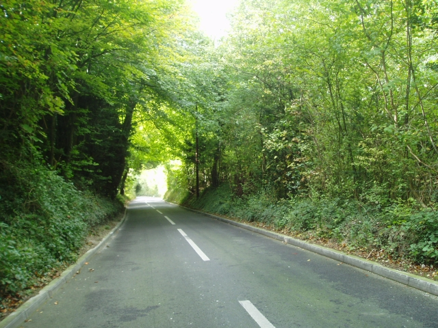 Narrow steep road past the quarry