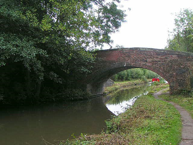 Turnover Bridge on Trent & Mersey Canal