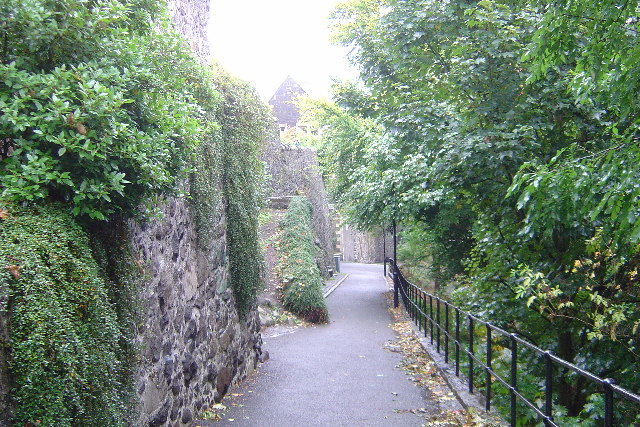 Stirling Back Walk