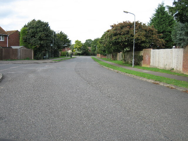 Dickens Way looking north