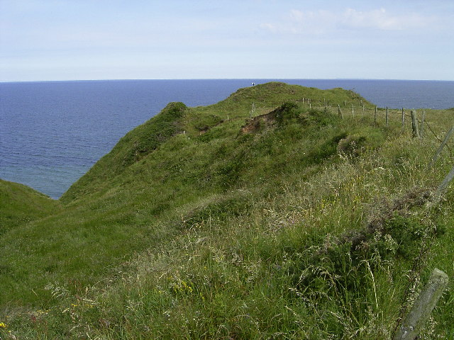 Promontory fort between Knocksharry and Ballanayre