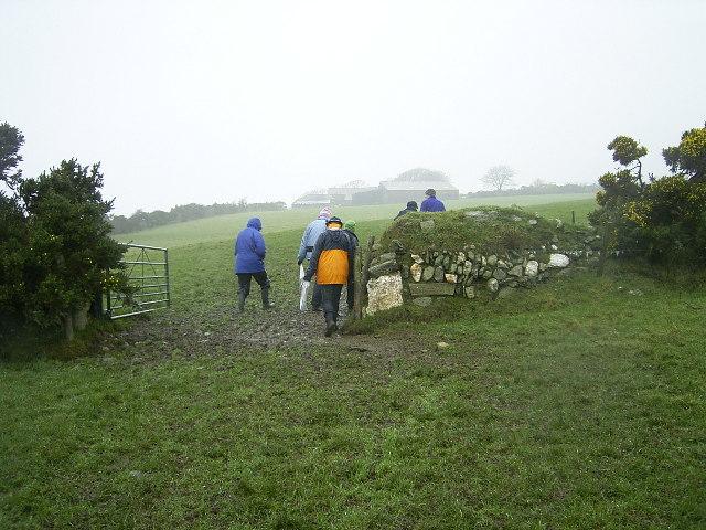 Ballanicholas Farm - gateway near the motte