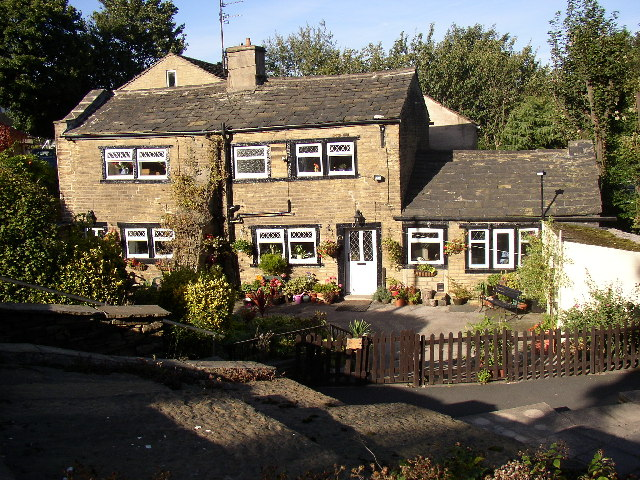 Cottages at Delf Hill, Rastrick