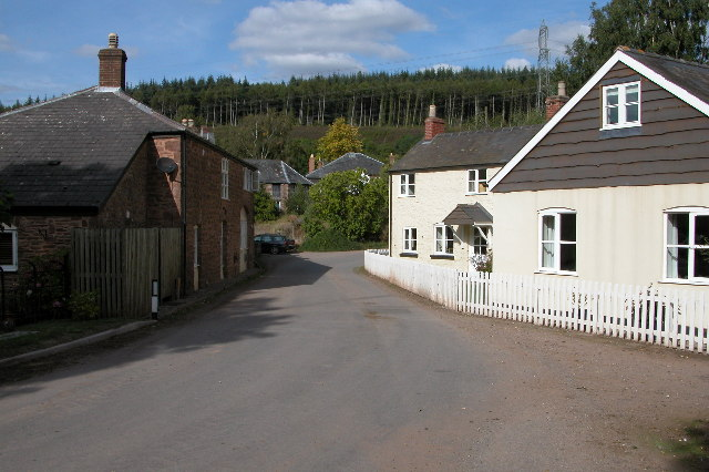 Cottages on the road from Pontshill to Coughton