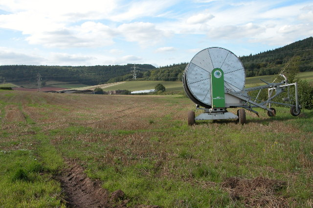 Crop Irrigator at Coleraine Farm