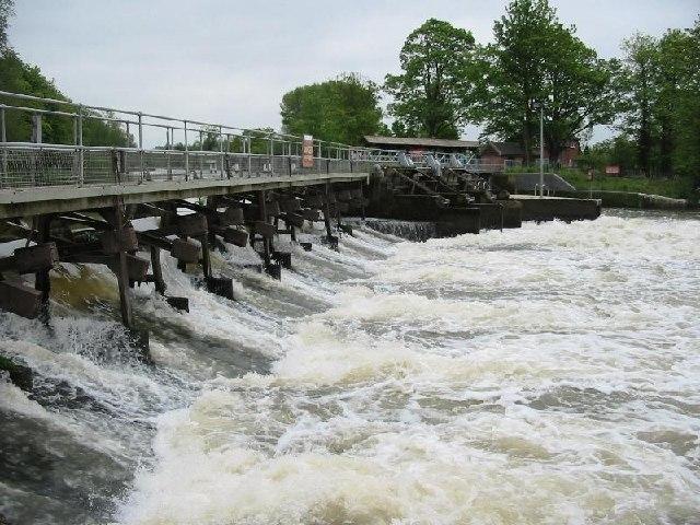 Weir by Abingdon lock