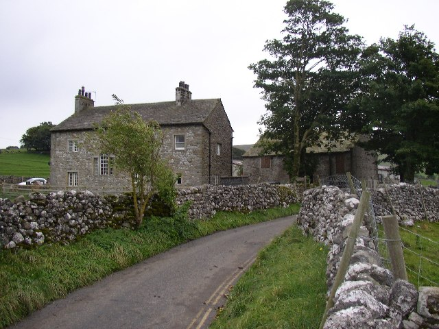 The farm at the end of the lane, Linton