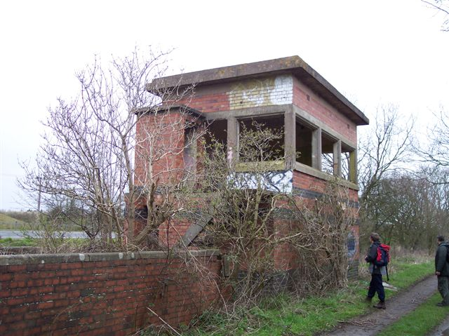 Remains of Broom West Junction Signalbox, Warwickshire
