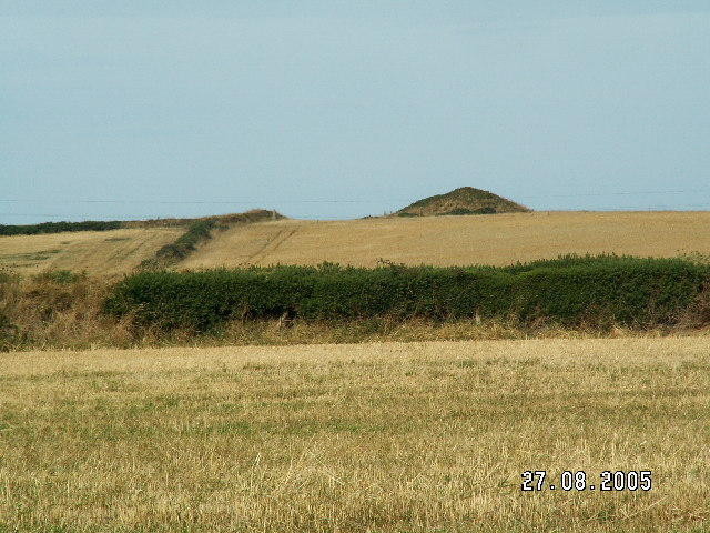 Burial Mound on Cronk ny Arree Lhaa, Jurby